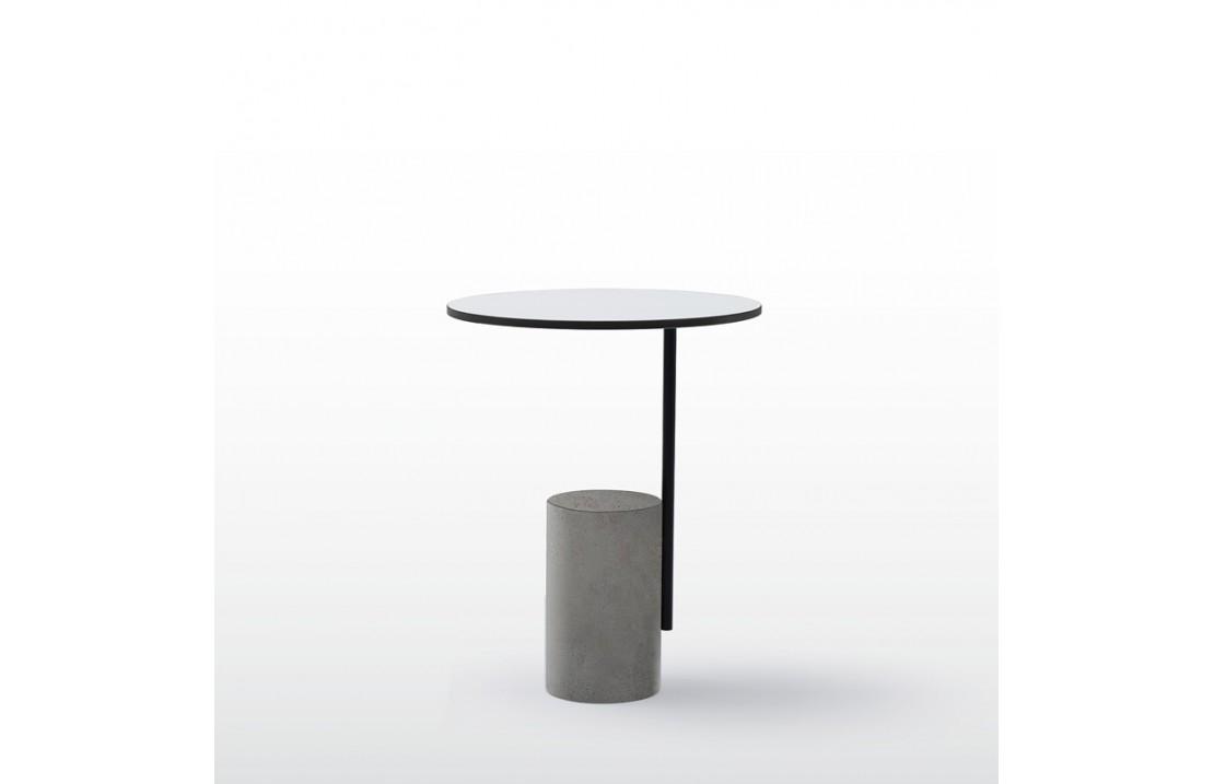 Tavolino con basamento in cemento Xaxa