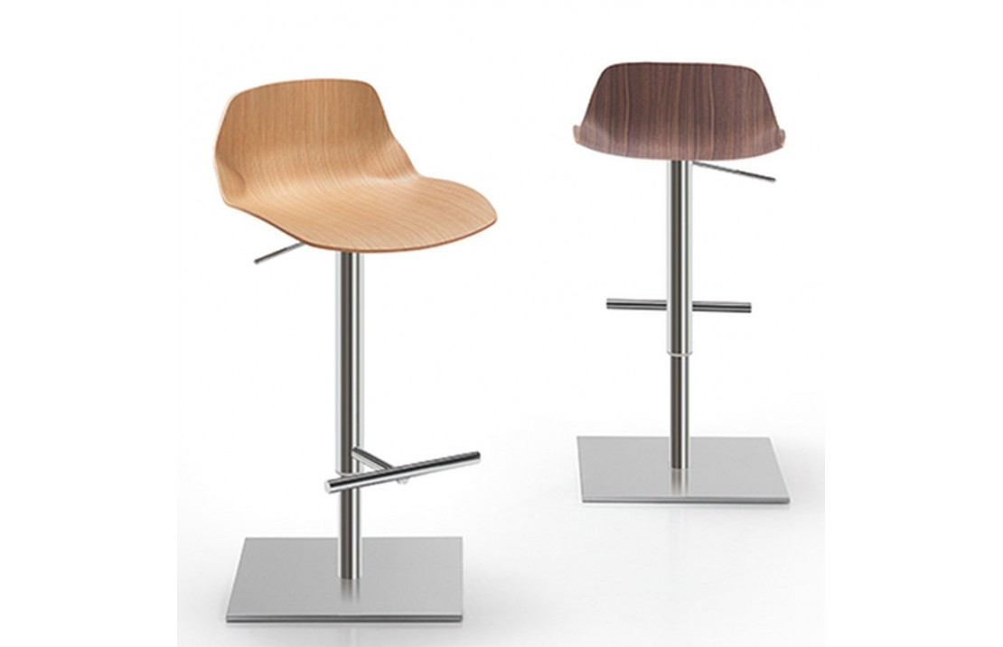 Kaleidos wood stool with footrest