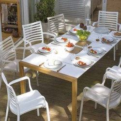 Fix Table wit aperitif set...