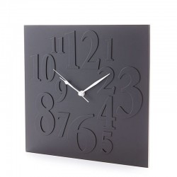 Wall clock in matt...