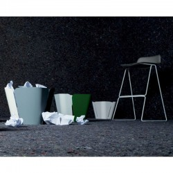 Stackable stool Pressious
