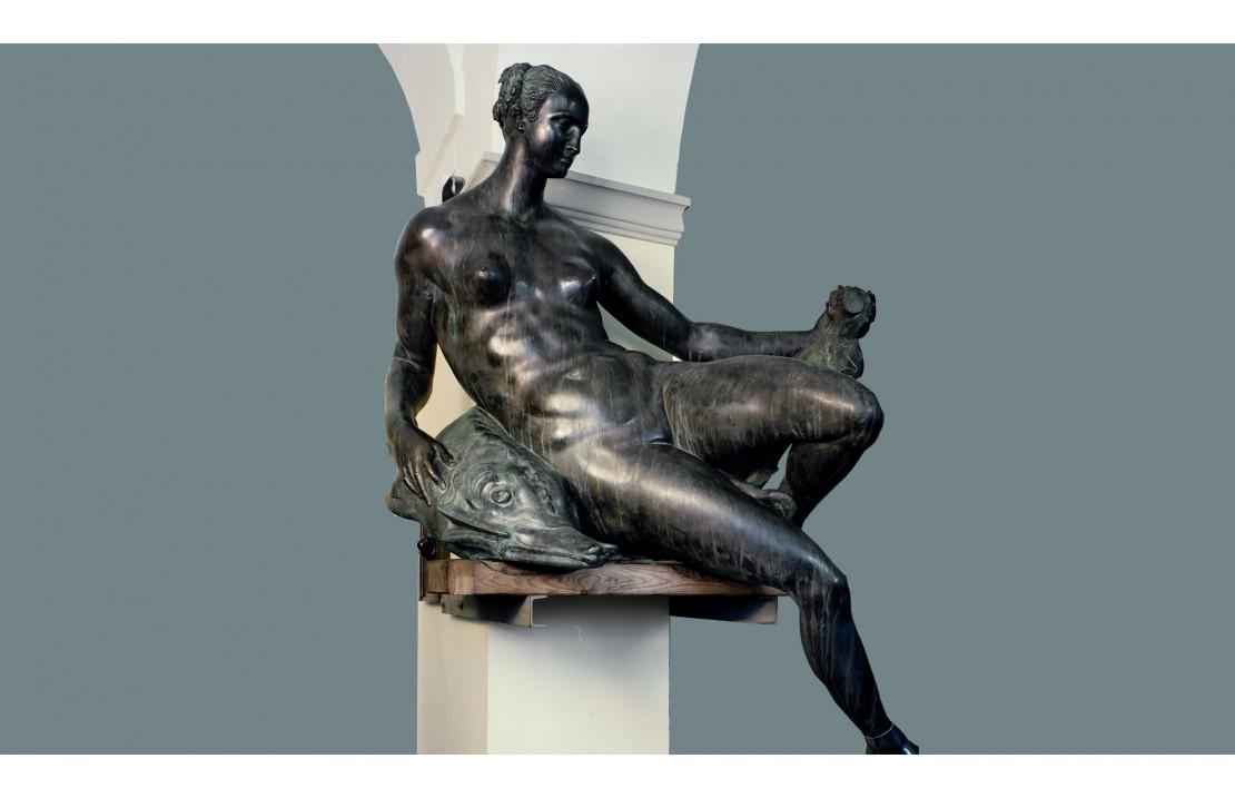 Statua in bronzo - Naiade con Scudo