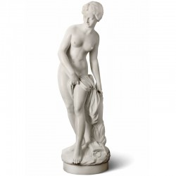 Bather Sculpture made by in Carrara marble