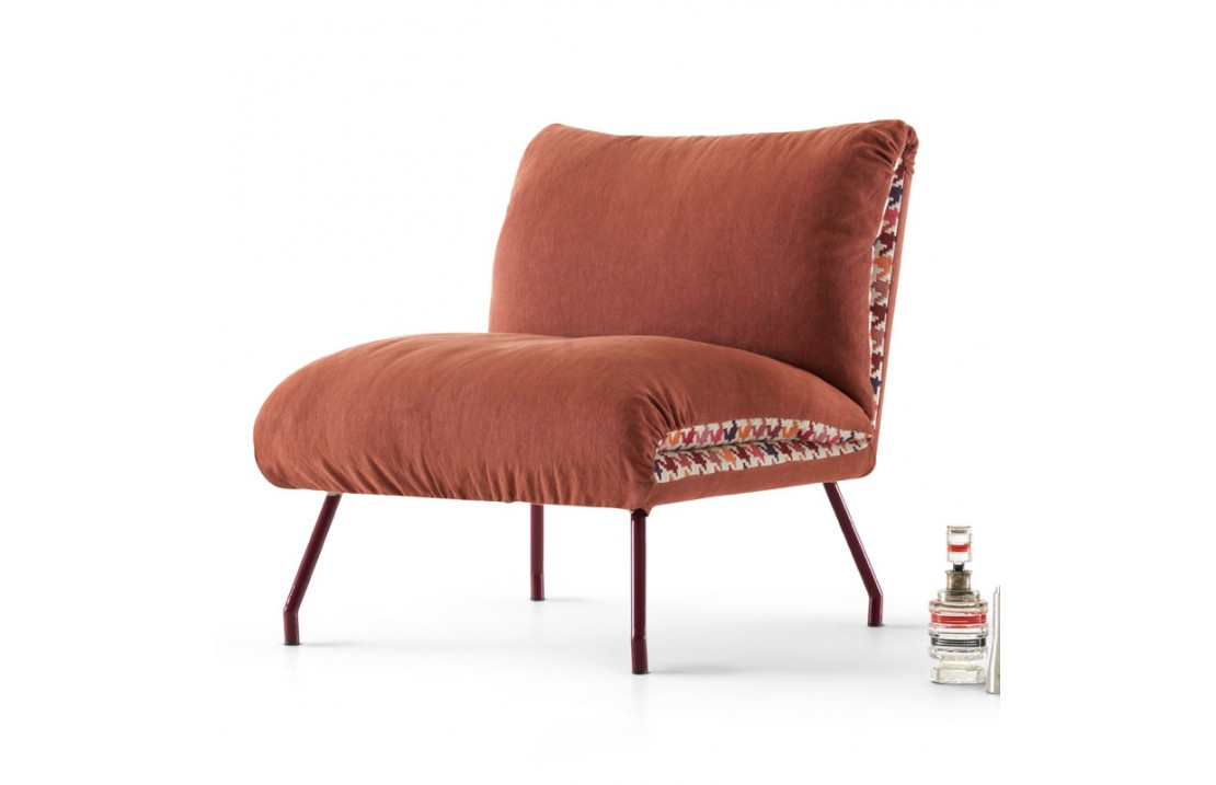 Lips armchair in fabric cover