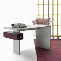 Milo desk in laquered MDF