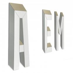 Letteronza specchio a forma di lettera