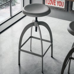 Riga stool with adjustable seat height