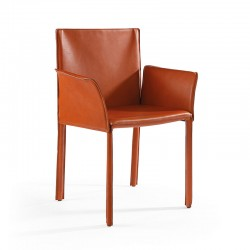 Armchair upholstered in leather - Yuta