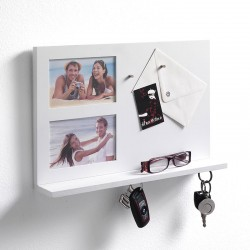 Reminder photo frame with magnetized panel