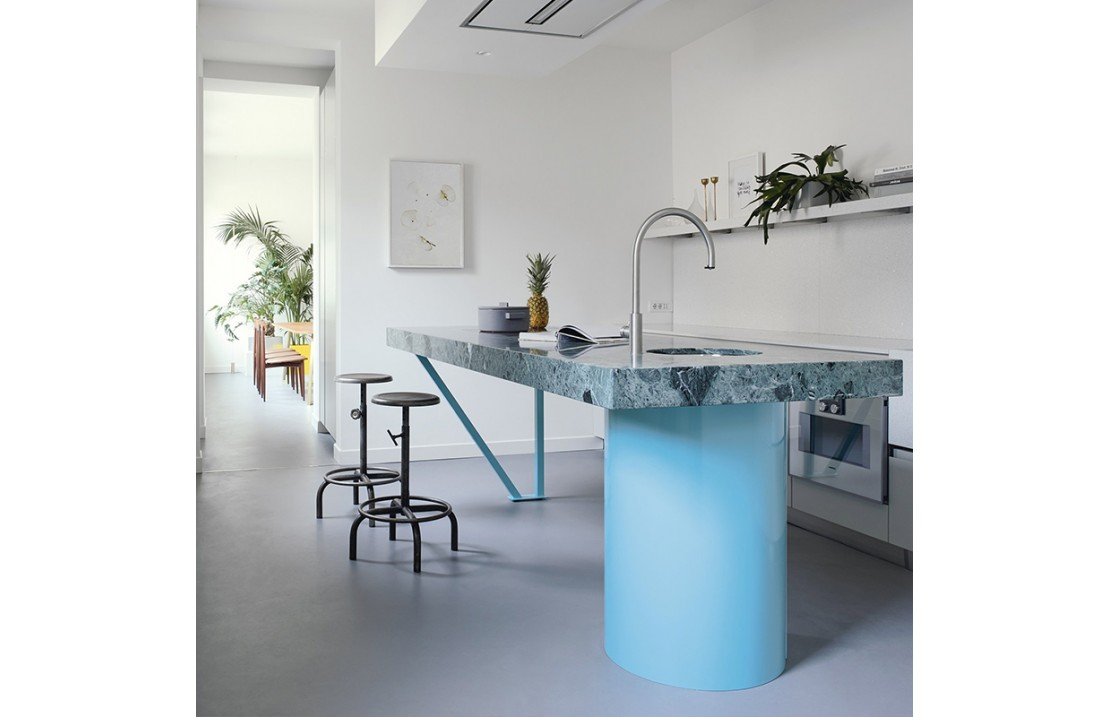 Modern Kitchen With Green Marble Island T45 Isa Project