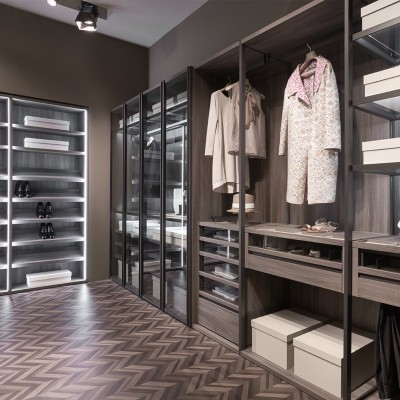 Wardrobes & walk-in closets
